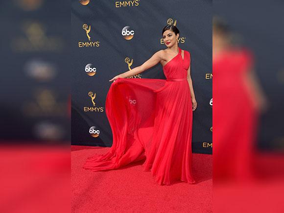 Emmys, Priyanka Chopra Emmy, Emmy 2016, Emmy Award, Priyanka Chopra, Priyanka Chopra Emmy magazine
