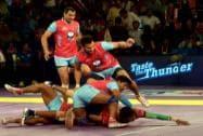 Players of Dabang Delhi and Jaipur Pink Panthers