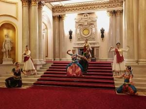 A special dance performance choreographed by Arunima Kumar for Akademi on the steps of Buckingham Palace