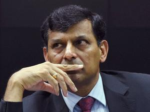 RBI Governor Raghuram Rajan at a press conference