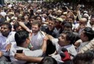Rahul Gandhi meets striking MCD workers, extends support