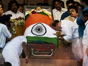 Rajinikanth paying respects to AIADMK Supremo J Jayalalithaa