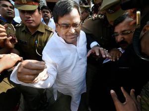 Rape-accused UP minister in Samajwadi Party government Gayatri Prajapati arrested