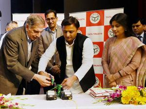 Akhilesh Yadav and Chairman of Tata Group, Ratan Tata  launch the  electronic point of supply machine (ePOS) scheme