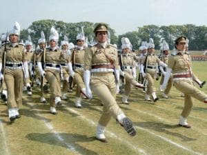 Jammu and Kashmir police women perform during the full dress rehearsal for Independence Day