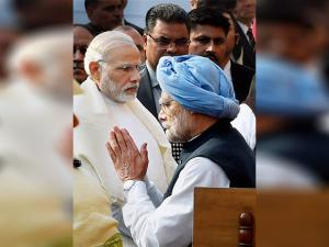 PM Narendra Modi with  Former Prime Minister Manmohan Singh during the tribute paying ceremony for the martyrs of 2001 Parliament attack