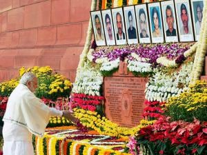 Prime Minister Narendra Modi paying tributes to the martyrs of 2001 Parliament attack