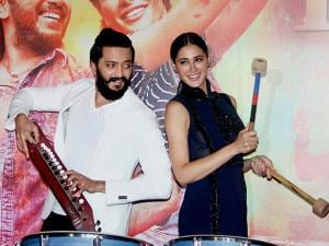 Riteish Deshmukh and Nargis Fakhri during the trailer launch of the movie Banjo