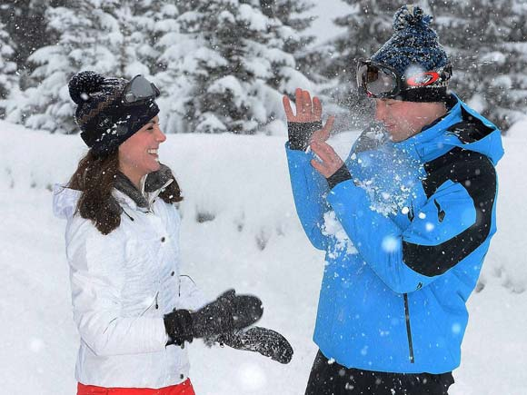 Prince William and Kate skiing, Prince William, Kate Middleton, French Alps skiing, Princess Charlotte pictures,Prince George, Royal Family Holiday pictures, Royal Family of England news,Prince of London