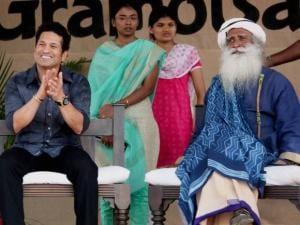 Sachin Tendulkar with the founder of Isha Foundation Sadguru Jaggi Vasudev