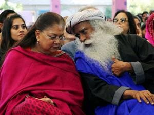 Rajasthan Chief Minister Vasundhara Raje and Sadhguru Jaggi Vasudev at the Jaipur Literature Festival at Diggi Palace in Jaipur