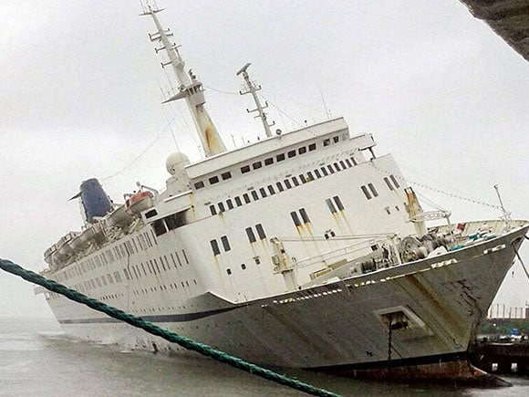 Sahara Ship, QING, Sahara India Pariwar, sinking Ship, Mormugao Harbour, cruiseliner, ship, Vasco, Goa