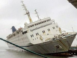 cruiseliner ship QING of Sahara India Pariwar which started sinking