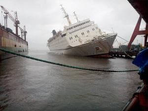 ship QING which started sinking Mormugao Harbour in Vasco