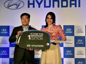Y K Koo with Saina Nehwal at Hyundai Creta limited edition