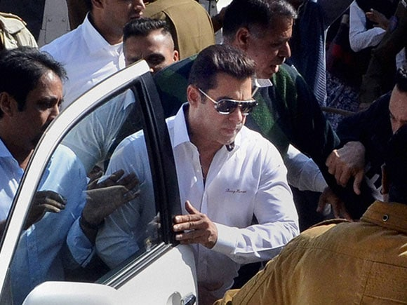 Salman Khan, 1998 Arms Act case, Jodhpur court