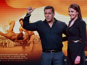 Bollywood actors Salman Khan and Anushka Sharma pose during the trailer launch of their new film Sultan in Mumbai (5)