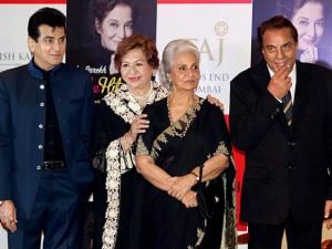 Dharmendra, Jeetendra, Helen and Waheeda Rehman during the unveiling of veteran actor Asha Parekh's autobiography The Hit Girl