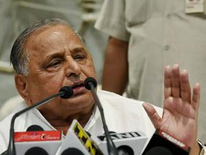Mulayam Singh Yadav addresses the media