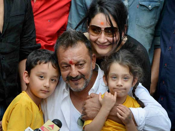 Sanjay Dutt, Manyata Dutt, Press Conference,1993 terror attack, 1993 mumbai blast, Prison, Salman Khan, Panvel Party