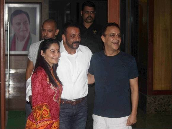 Sanjay Dutt, Manyata, Vidu Vinod Chopra, Yerwada Jail, Sanjay Dutt Released, 30 Day Furlough, Sanjay Dutt daughter's nose surgery, Mumbai