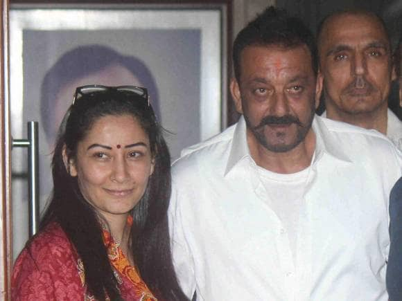 Sanjay Dutt, Manyata, Yerwada Jail, Sanjay Dutt Released, 30 Day Furlough, Sanjay Dutt daughter's nose surgery, Mumbai