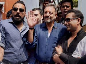 Sanjay Dutt visits his mother Nargis Dutt's grave at Bada Kabristan after his release_from Pune's Yerawada Jail
