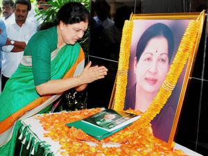 V K Sasikala pays tribute to late J Jayalalithaa after she was appointed as AIADMK General Secretary