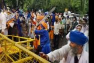 Shiromani Akali Dal-Badal activists during a protest outside AICC in New Delhi
