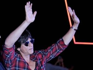 Shah Rukh Khan waves to his fans
