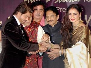 Shahrukh Khan receives 4th Yash Chopra Memorial National Award from Maharashtra Governor C Vidyasagar Rao  and actress Rekha in Mumbai