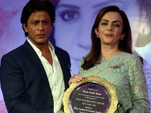 Neeta Ambani along  actor Shahrukh Khan during the book launch of Gunjan Jain