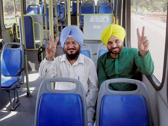 Odd Even Scheme, DTC bus, Arvind Kejriwal, Aam Aadmi Party (AAP), bharatiya janata party, Delhi government,  Ghulam Nabi Azad, Congress, Gopal Rai, Anand Sharma, Parliament, Member of Parliament, Special Buses
