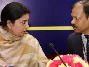 Smriti Irani with Secretary (SE&L) Subash Chandra Khuntia during the Consultation_meeting with States Government on Teacher Education