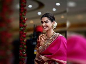 Bollywood actress Sonam Kapoor at the inauguration of Kalyan Jewellers showroom
