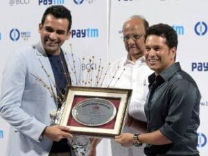 Bharat Ratna Sachin Tendulkar felicitated Zahir Khan