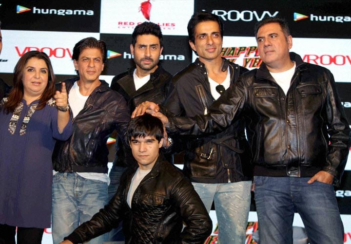 Bollywood actors, Shah Rukh Khan, Abhishek Bachchan, Sonu Sood, Vivaan Shah, Boman Irani, Farah Khan, promotional event, film, Happy New Year