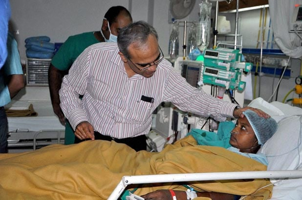 AIIMS doctors, interact, victims of Chhattisgarh's, Sterlisation tragedy, hospital, Bilaspur, 83 women,  underwent, laparoscopic, tubectomies, government camp, over, 50 hospital