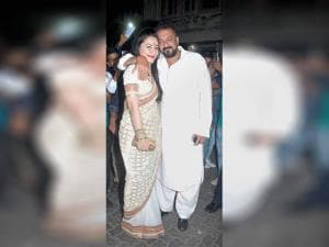 Sanjay Dutt along with his wife Manyata Dutt during Aamir Khan's Diwali celebrations