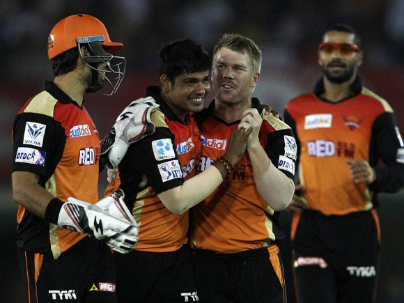 David Warner, Naman Ojha, Karn Sharma, IPL, Pepsi IPL, Sunrisers Hyderabad, Kings XI Punjab