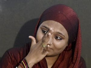 Nasira Wasim Shaikh during a press conference on triple talaq