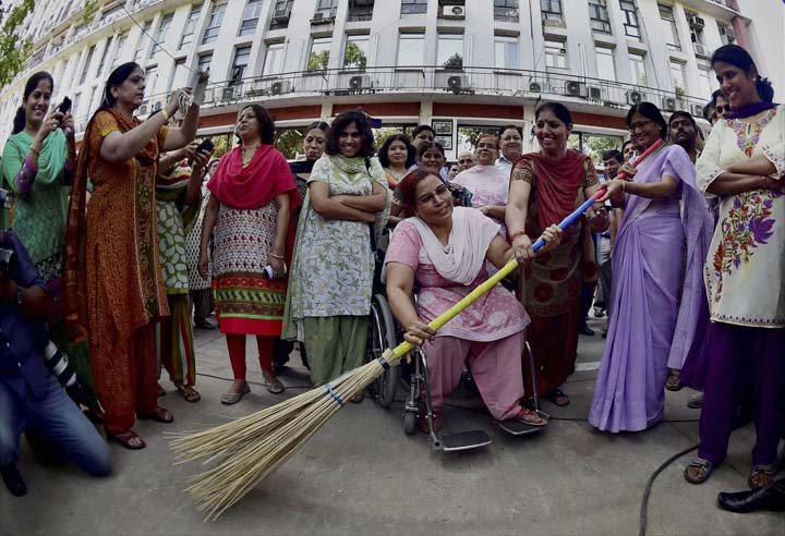 Government employees, participates, Swachh Bharat Abhiyan, Clean India Mission,  clean, area outside, Shastri Bhavan