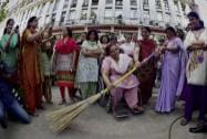 Government employees participates in  'Swachh Bharat Abhiyan'