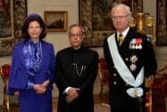 President, Pranab Mukherjee being welcome by King Carl XVI Gustf and Queen Victoria