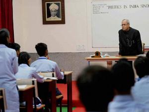 Pranab Mukherjee interacting with students