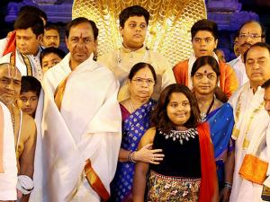 Telangana CM K Chandrasekhar Rao with his family members before donating ornaments worth Rs 5 crore