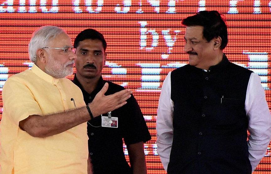 Prime Minister, Narendra Modi, Maharastra, Chief Minister, Prithviraj Chavan, foundation, stone, laying,  function, SEZ project, Jawaharlal Nehru Port Trust (JNPT)