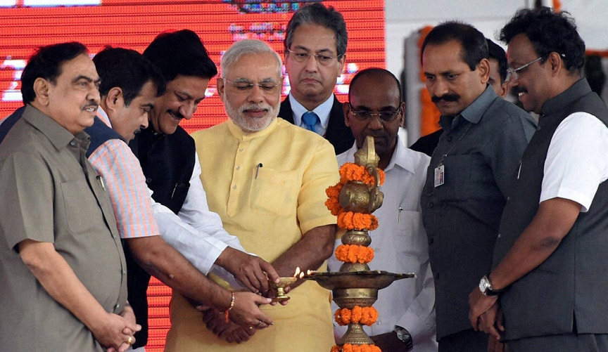 Prime Minister, Narendra Modi, Maharashtra Governor, K Shankarnarayanan, Nitin Gadkari, Minister of Road Transport and Highways, Maharastra Chief Minister, Prithviraj Chavan, foundation, stone, laying,  function, SEZ project, Jawaharlal Nehru Port Trust (JNPT)
