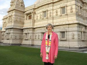 British Prime Minister Theresa May visits  BAPS Shri Swaminarayan Mandir, London