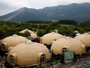 These polystyrene dome houses in Japan are earthquake resistant
